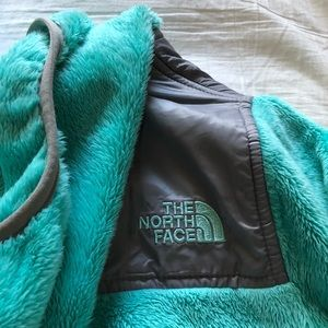 NORTH FACE GIRLS OSO HOODIE